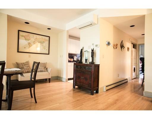 独户住宅 为 出租 在 381 Merdian Street 波士顿, 马萨诸塞州 02128 美国