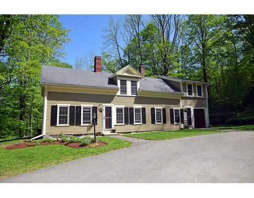 Maison unifamiliale pour l Vente à 432 N Main Street 432 N Main Street Petersham, Massachusetts 01366 États-Unis