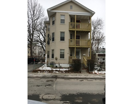 Maison avec plusieurs logements pour l Vente à 190 Dewey Street 190 Dewey Street Worcester, Massachusetts 01610 États-Unis
