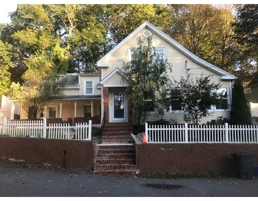 Casa Multifamiliar por un Venta en 15 Crescent Lane Malden, Massachusetts 02148 Estados Unidos