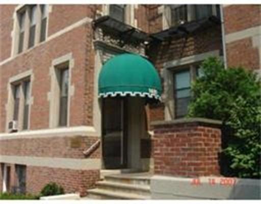 独户住宅 为 出租 在 1480 Commonwealth Avenue 波士顿, 马萨诸塞州 02135 美国