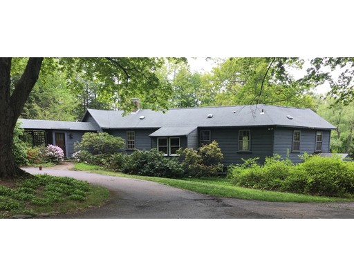 Частный односемейный дом для того Продажа на 26 Bolton Road 26 Bolton Road Harvard, Массачусетс 01451 Соединенные Штаты