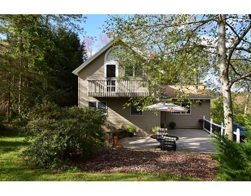 واحد منزل الأسرة للـ Sale في 53 Santos Road 53 Santos Road Warren, Massachusetts 01083 United States
