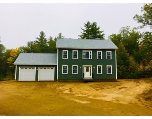 واحد منزل الأسرة للـ Sale في 10 Forest Hill 10 Forest Hill Oakham, Massachusetts 01068 United States