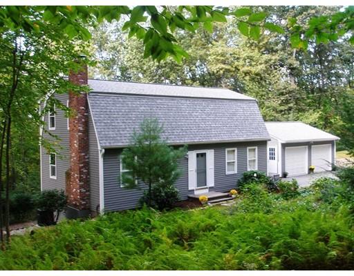Maison unifamiliale pour l Vente à 98 Vaughn Hill Road 98 Vaughn Hill Road Bolton, Massachusetts 01740 États-Unis