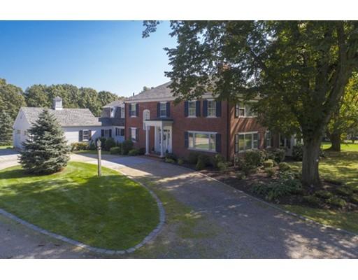 Maison unifamiliale pour l Vente à 294 Highland Street 294 Highland Street Milton, Massachusetts 02186 États-Unis