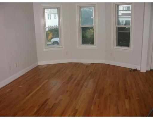 独户住宅 为 出租 在 52 Lincoln Street 52 Lincoln Street 温思罗普, 马萨诸塞州 02152 美国