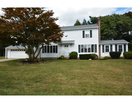 Single Family Home for Sale at 51 Thomas Leighton Blvd 51 Thomas Leighton Blvd Cumberland, Rhode Island 02864 United States