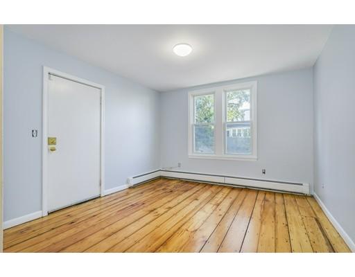 Casa Unifamiliar por un Alquiler en 37 Allston Boston, Massachusetts 02129 Estados Unidos