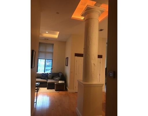 Casa Unifamiliar por un Alquiler en 108 Richmond Boston, Massachusetts 02109 Estados Unidos