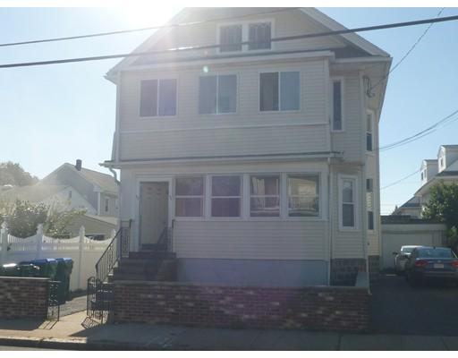Maison avec plusieurs logements pour l Vente à 92 Harvard Street 92 Harvard Street Medford, Massachusetts 02155 États-Unis