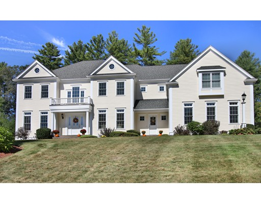 واحد منزل الأسرة للـ Sale في 60 Mill Brook Avenue 60 Mill Brook Avenue Walpole, Massachusetts 02081 United States
