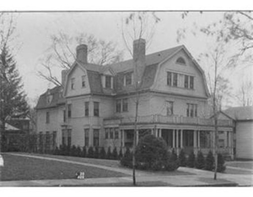 Casa Unifamiliar por un Venta en 63 Mulberry Street Springfield, Massachusetts 01105 Estados Unidos
