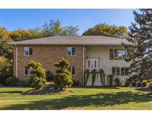 独户住宅 为 销售 在 1 Freeman Street 林菲尔德, 01940 美国