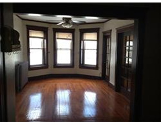 Additional photo for property listing at 35 OConnor Avenue  Holyoke, 马萨诸塞州 01040 美国