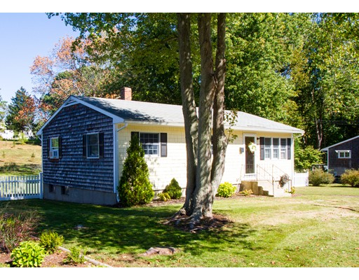 Single Family Home for Sale at 12 Marshall Road Hingham, 02043 United States