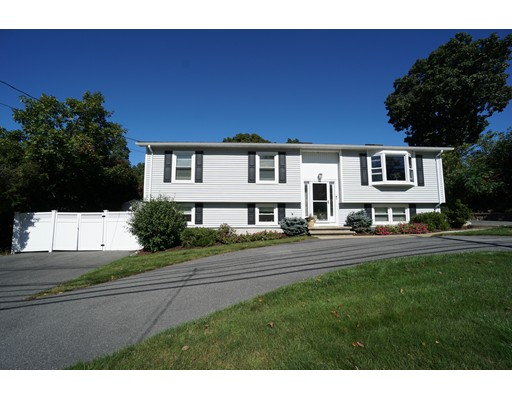 Single Family Home for Sale at 321 Russell Street 321 Russell Street Woburn, Massachusetts 01801 United States