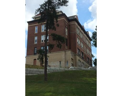 شقة بعمارة للـ Sale في 40 Boylston Street 40 Boylston Street Clinton, Massachusetts 01510 United States