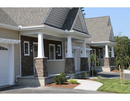 共管式独立产权公寓 为 销售 在 1 Justin Circle 1 Justin Circle Smithfield, 罗得岛 02917 美国
