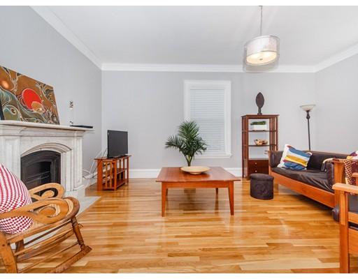 Appartement en copropriété pour l Vente à 22 Irving Street 22 Irving Street Watertown, Massachusetts 02472 États-Unis