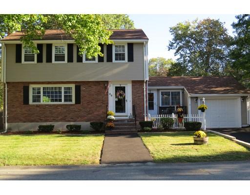 واحد منزل الأسرة للـ Sale في 40 Nichols Avenue 40 Nichols Avenue Avon, Massachusetts 02322 United States