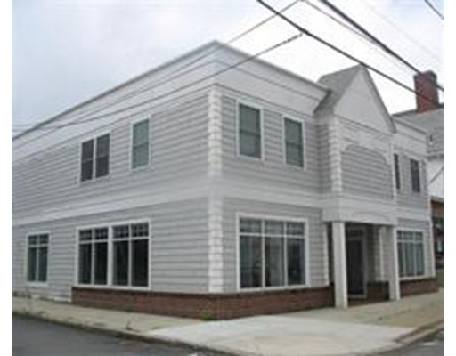 Comercial por un Alquiler en 15 South Avenue 15 South Avenue Whitman, Massachusetts 02382 Estados Unidos