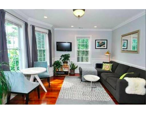 Casa Unifamiliar por un Alquiler en 613 Dorchester Avenue Boston, Massachusetts 02127 Estados Unidos