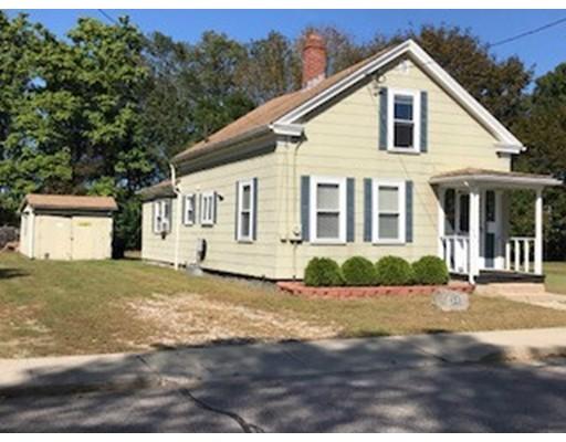 Maison unifamiliale pour l Vente à 32 Goddard Street 32 Goddard Street Blackstone, Massachusetts 01504 États-Unis