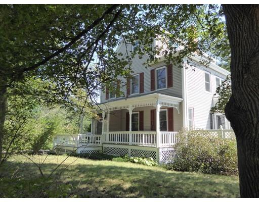 Частный односемейный дом для того Продажа на 122 East Street 122 East Street Foxboro, Массачусетс 02035 Соединенные Штаты