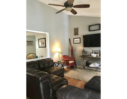Частный односемейный дом для того Аренда на 283 Granby Road 283 Granby Road South Hadley, Массачусетс 01075 Соединенные Штаты