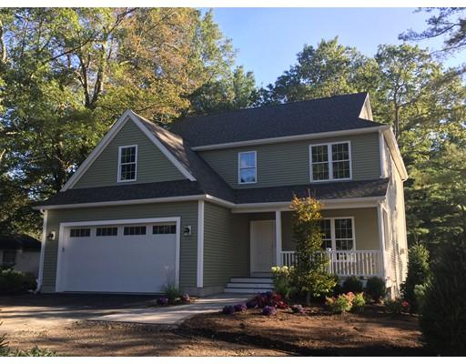 独户住宅 为 销售 在 137 Pine Street 137 Pine Street 斯托顿, 马萨诸塞州 02072 美国