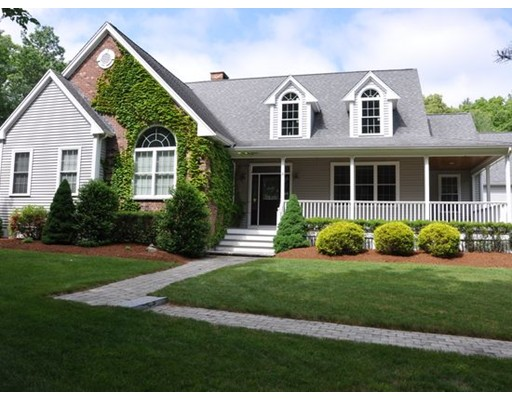 Maison unifamiliale pour l Vente à 52 Darrington Drive 52 Darrington Drive Raynham, Massachusetts 02767 États-Unis
