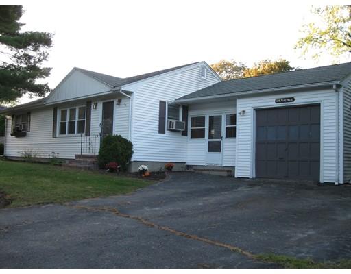 独户住宅 为 销售 在 14 May Avenue 14 May Avenue Raynham, 马萨诸塞州 02767 美国