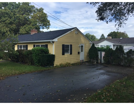 Частный односемейный дом для того Аренда на 49 Milk Street 49 Milk Street Methuen, Массачусетс 01844 Соединенные Штаты