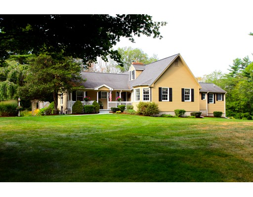 Single Family Home for Sale at 130 Burnt Swamp Road 130 Burnt Swamp Road Cumberland, Rhode Island 02864 United States
