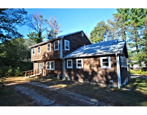 独户住宅 为 销售 在 34 Border Road 34 Border Road Holbrook, 马萨诸塞州 02343 美国