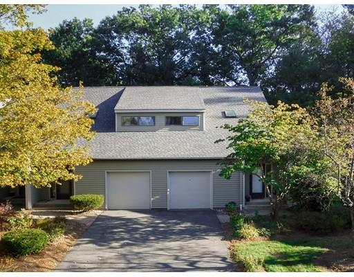 共管式独立产权公寓 为 销售 在 208 Fairway Vlg #208 208 Fairway Vlg #208 Northampton, 马萨诸塞州 01053 美国