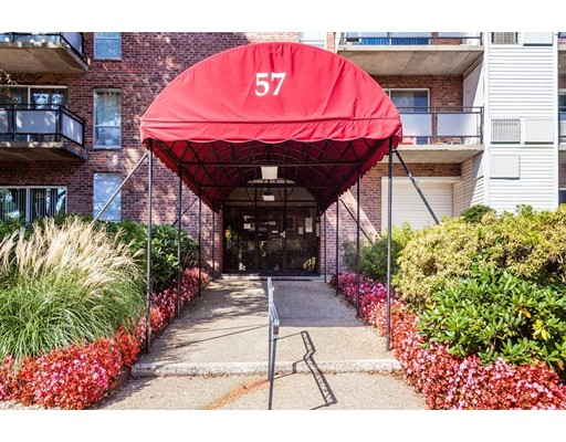 Additional photo for property listing at 57 Broadlawn Park #15A 57 Broadlawn Park #15A Boston, Массачусетс 02132 Соединенные Штаты