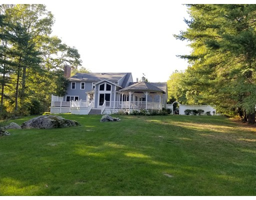 Single Family Home for Sale at 53 BROOKSIDE DRIVE 53 BROOKSIDE DRIVE Uxbridge, Massachusetts 01569 United States