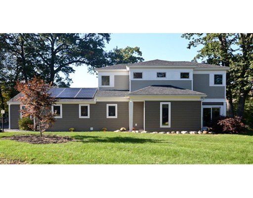Single Family Home for Sale at 45 Lantern Lane 45 Lantern Lane Burlington, Massachusetts 01803 United States