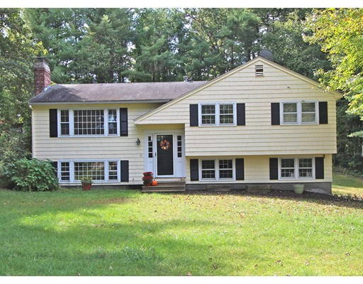 Casa Unifamiliar por un Alquiler en 10 Cherry Lane Westford, Massachusetts 01886 Estados Unidos