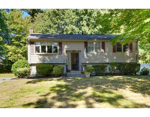 واحد منزل الأسرة للـ Sale في 5 Daniel Drive 5 Daniel Drive Burlington, Massachusetts 01803 United States