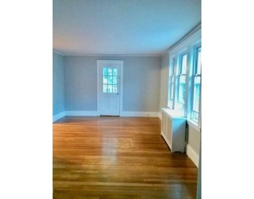 独户住宅 为 出租 在 19 Bradley 19 Bradley Braintree, 马萨诸塞州 02184 美国