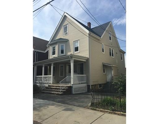 Casa Multifamiliar por un Venta en 51 Ashland Street 51 Ashland Street Malden, Massachusetts 02148 Estados Unidos