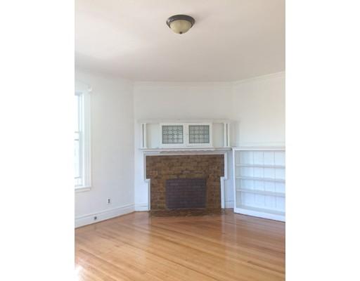 Casa Unifamiliar por un Alquiler en 88 Harold Street Boston, Massachusetts 02119 Estados Unidos