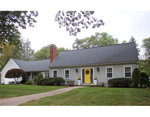 Частный односемейный дом для того Продажа на 128 Blueberry Hill Road 128 Blueberry Hill Road Longmeadow, Массачусетс 01106 Соединенные Штаты