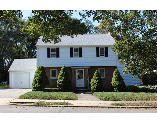 独户住宅 为 销售 在 255 WOODCLIFF ROAD 255 WOODCLIFF ROAD 牛顿, 马萨诸塞州 02461 美国