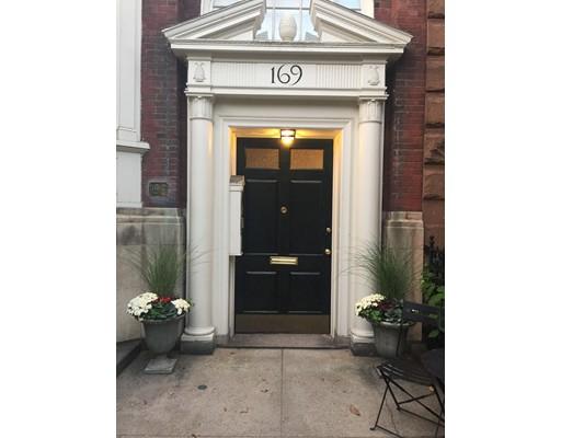 Casa Unifamiliar por un Alquiler en 169 Commonwealth Avenue Boston, Massachusetts 02116 Estados Unidos