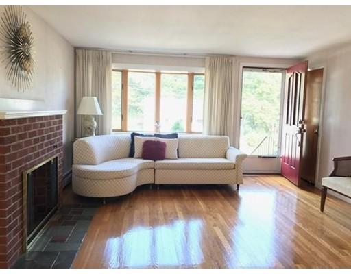 Casa Unifamiliar por un Venta en 3 Clyde Ter 3 Clyde Ter Arlington, Massachusetts 02474 Estados Unidos