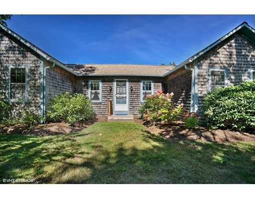 Casa Unifamiliar por un Venta en 157 Sea Street 157 Sea Street Dennis, Massachusetts 02641 Estados Unidos
